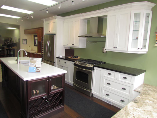 Showroom woodpecker kitchen designs inc for Showroom for kitchen designs